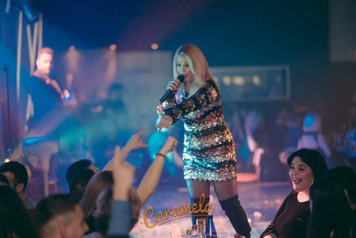 FB IMG 1482791812731 - Η Μαρία Μπέλλου αποθεώνεται στη σκηνή του Caramela Live!