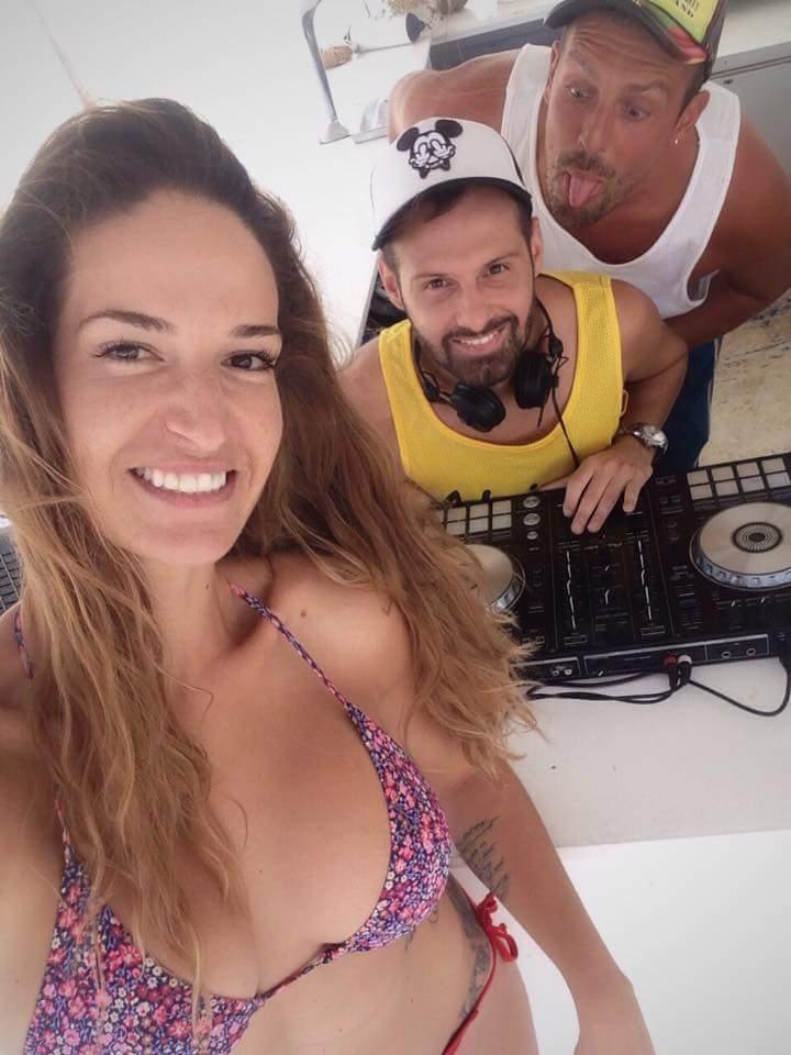 FB IMG 1502546883134 - Ποιά celebrity συναντήσαμε στην παραλία του Πλαταμώνα;