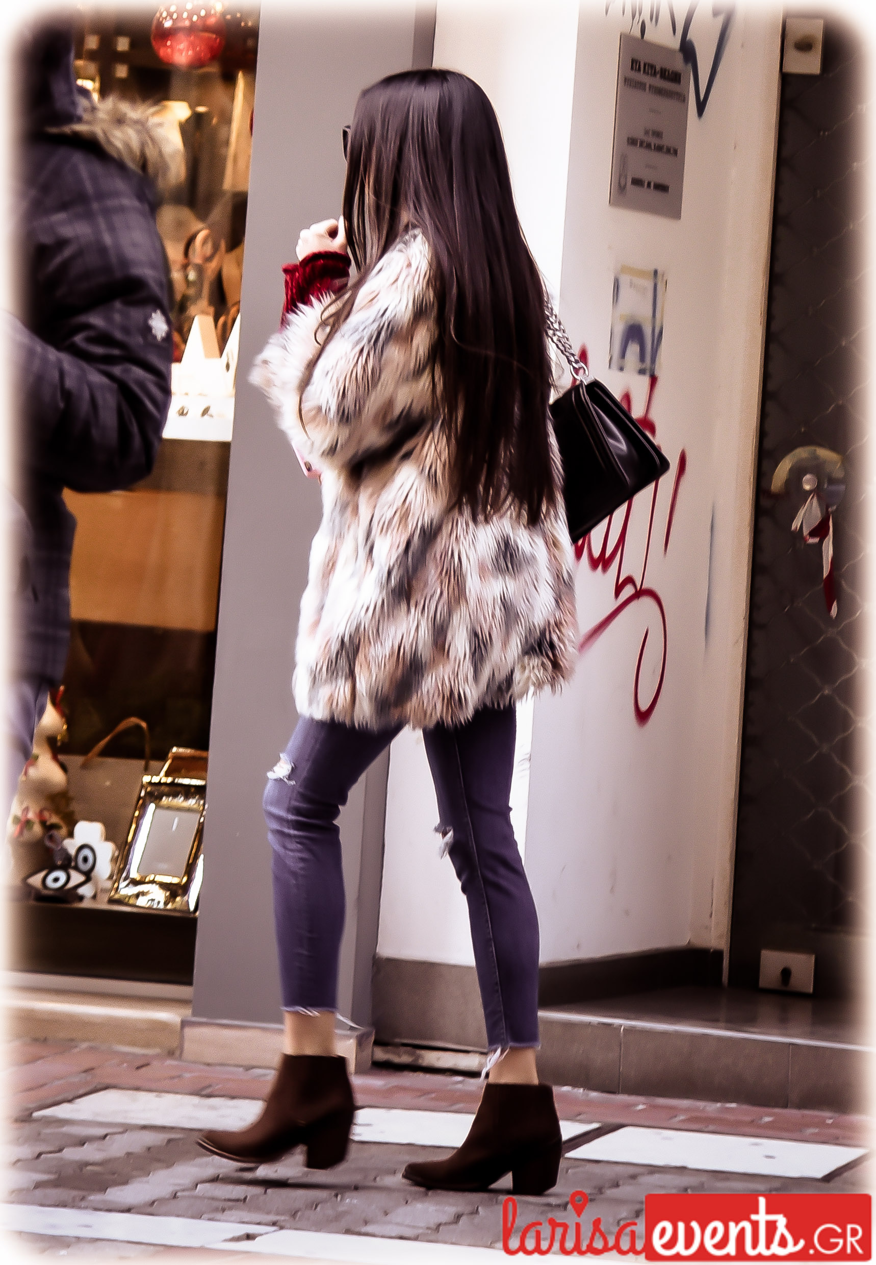 LAZ 4861 - Το fashion κομμάτι που προτίμησαν περισσότερο απ' όλα οι Λαρισαίες φέτος!