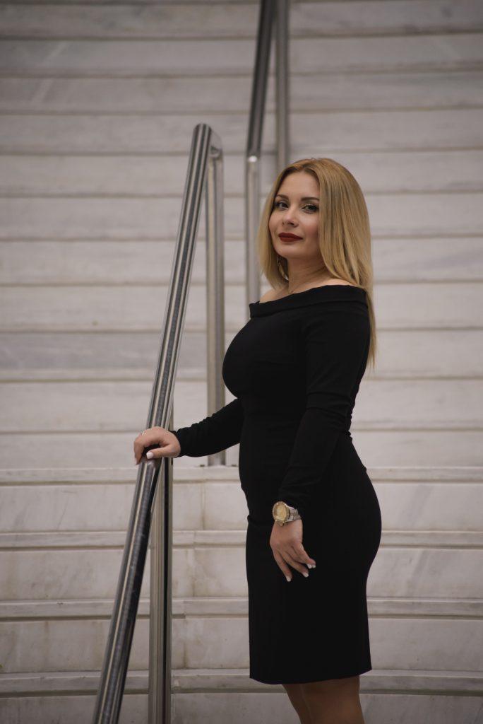 NIQ 8653 684x1024 - Η Εύη Παπαγιαννοπούλου Βαβίτσα μιλάει στο larisaevents.gr