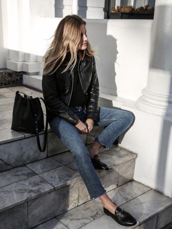 Αν έχεις loafers, θα σε σώσουν! Φοριούνται με cropped jeans, φούστες και φορέματα το ίδιο εύκολα.