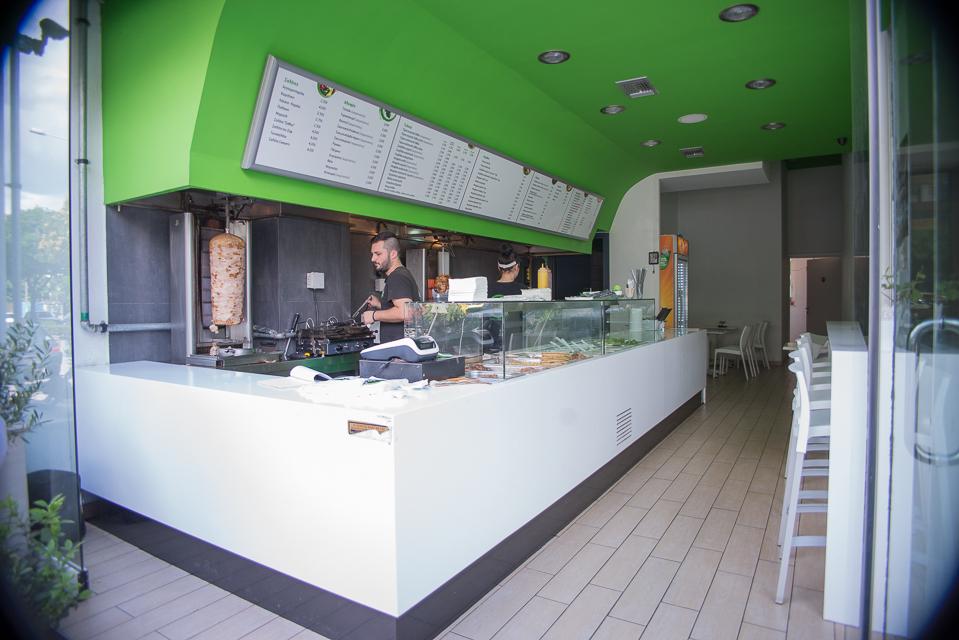 NIQ 4020 - Φοιτητής στη Λάρισα και πείνασες; Να από που θα παραγγείλεις!
