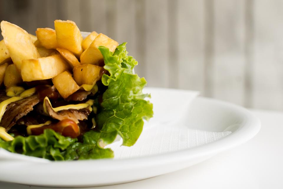 NIQ 4036 - Φοιτητής στη Λάρισα και πείνασες; Να από που θα παραγγείλεις!