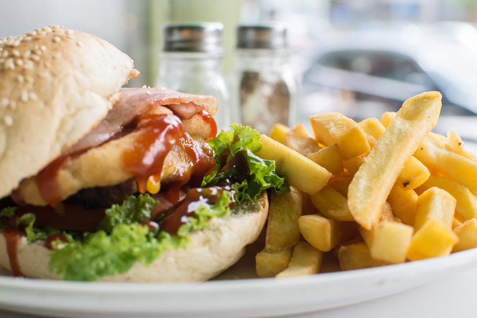 NIQ 4083 - Φοιτητής στη Λάρισα και πείνασες; Να από που θα παραγγείλεις!