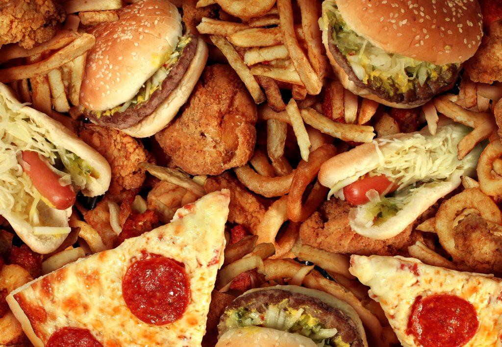 bigstock fast food 45761026 1024x708 - Φοιτητής στη Λάρισα και πείνασες; Να από που θα παραγγείλεις!