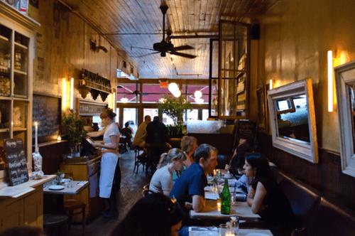 estiatorio - 5 πράγματα που δεν πρέπει να κάνεις ΠΟΤΕ σε ένα εστιατόριο!