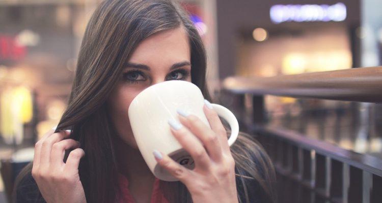 kafes 1 750x400 - Θα εθιστείς: 3 τέλεια οφέλη που έχει ο καφές στην υγεία σου!
