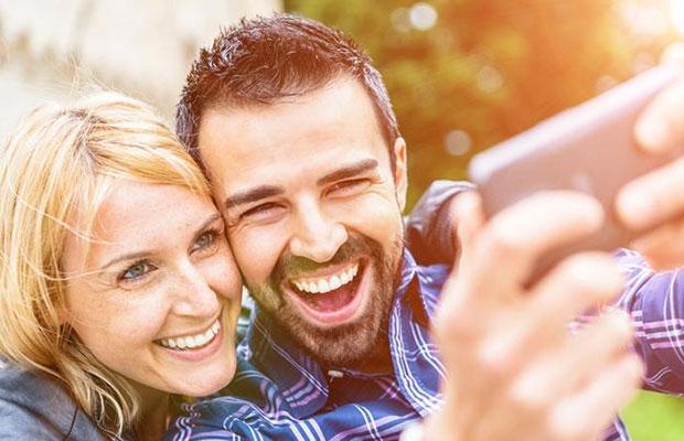 pio-kinito-vgazi-tis-kaliteres-selfie-video