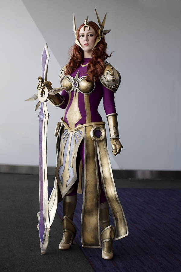 thumbnail_leona-cosplay-league-of-legends