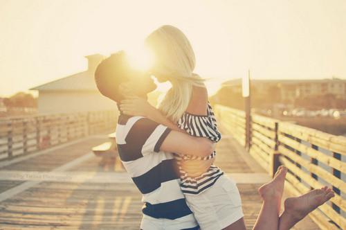 tumblr mu23ws9tov1s99po8o1 500 - 8 πράγματα που κάνουν έναν άντρα να ερωτεύεται από την αρχή