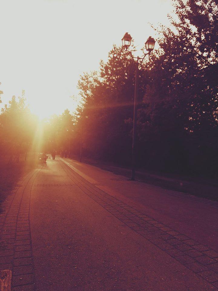 λαρισα μπαι μι - Περπάτησα μόνη τους δρόμους της Λάρισας που περπατούσαμε μαζί…