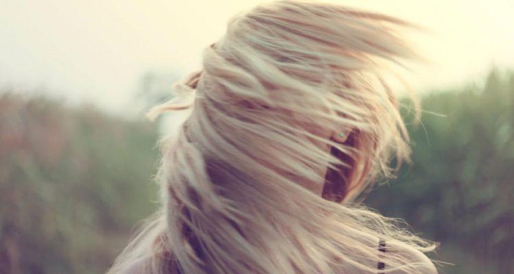 750x400 - 4 tips για να μακρύνεις τα μαλλιά σου στο άψε-σβήσε!