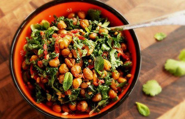 ρεβυθια 620x400 - H ρεβυθοσαλάτα με ψητό χταπόδι και λαχανικά είναι η συνταγή που πρέπει να φτιάξεις σήμερα!