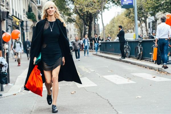 08 tommy ton spring 2015 rtw 10 600x400 - Little Black Dress| 5 νέοι τρόποι για να το φορέσεις (από σήμερα κιόλας)