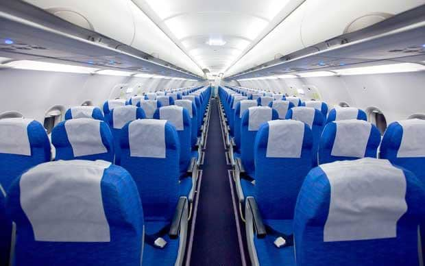 aeroplano - Αυτή η θέση στο αεροπλάνο βοηθάει να έχεις μία πιο ομαλή πτήση!