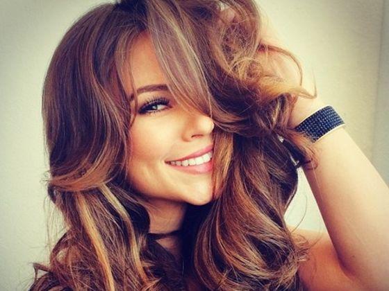 f52ba1e8 c021 4d60 84c2 44980afa95d1 560 420 - Το μυστικό για πιο λαμπερά μαλλιά βρίσκεται στο σπίτι σου