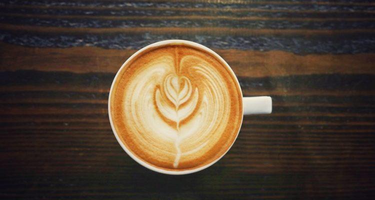 kafes 750x400 - Τι θα σου συμβεί αν σταματήσεις να πίνεις καφέ για ένα μήνα;