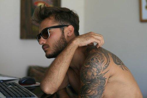 tumblr lxbu0mtmhs1qj61zio1 500 - Αυτό το βίντεο θα σου αλλάξει τη γνώμη για τα tattoo!