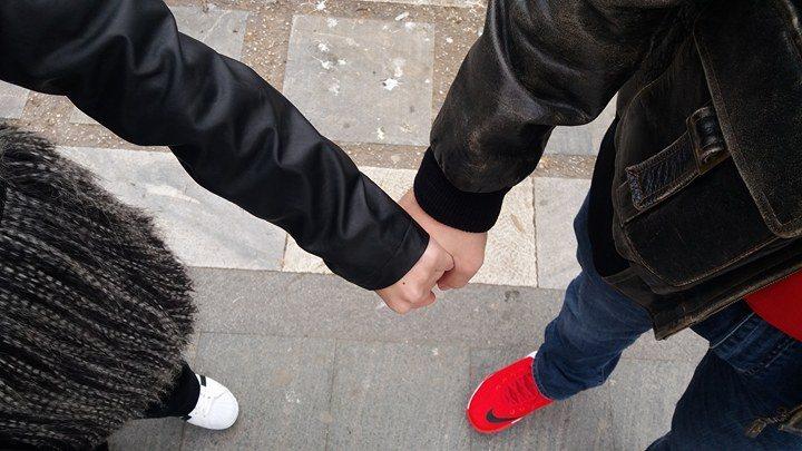 9 - Πώς ερωτεύεται η Λάρισα | Απρόοπτο μέρος γνωριμίας