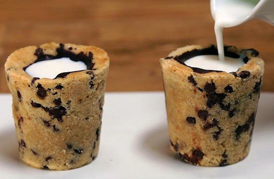 Milk Cookie Shots Recipe - Μπισκοτόκουπα για φάγωμα
