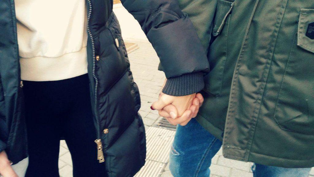13 1024x576 - Πώς ερωτεύεται η Λάρισα   Τα πρώτα βλέμματα
