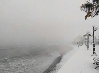 "15877210 1830773450470021 8834837995199660032 n - Λάρισα | Στα λευκά ""ντύθηκαν"" και οι παραλίες του νομού!"