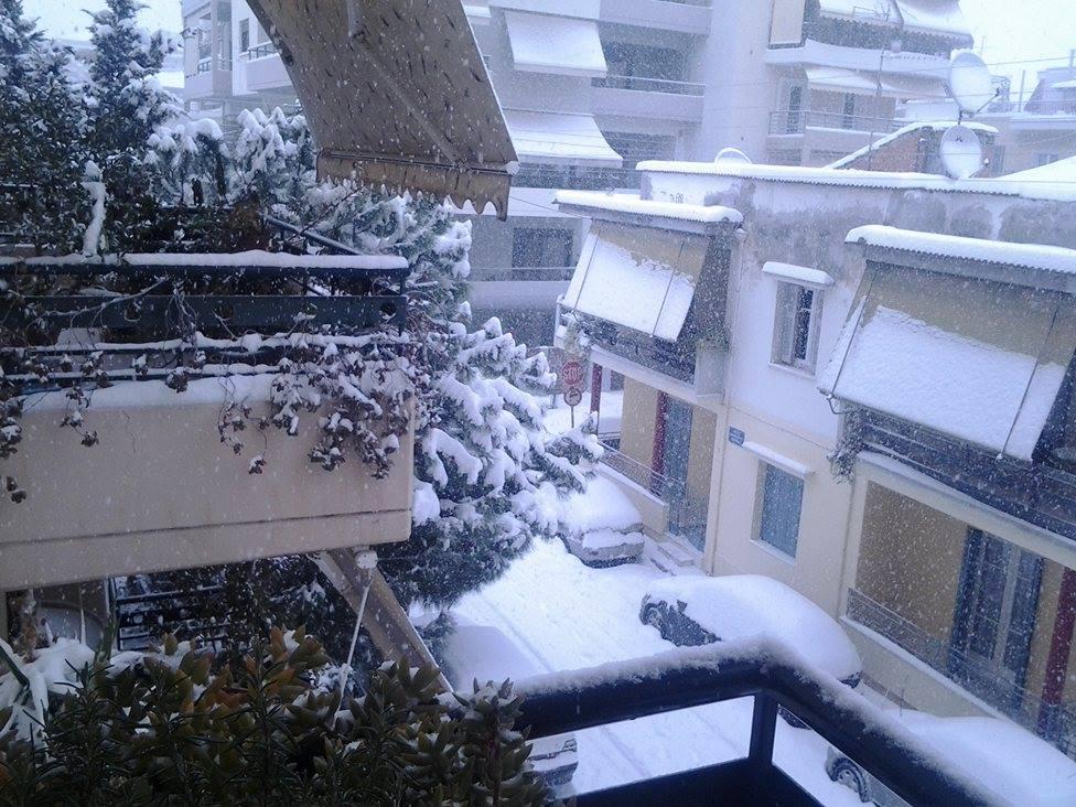 15967183 132151280620778 2043699555 o - ΜΑΓΙΚΕΣ ΕΙΚΟΝΕΣ ΣΤΗ ΛΑΡΙΣΑ: Το χιόνι άγγιξε τα 30 εκατοστά!