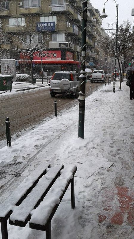 15969901 10207626048240184 2081621351 n - ΕΚΤΑΚΤΗ ΕΠΙΚΑΙΡΟΤΗΤΑ- Tο έστρωσε ξανά στη  Λάρισα – Η χιονόπτωση συνεχίζεται