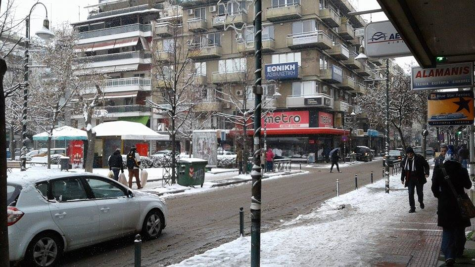15970470 10207626001159007 416849544 n - ΕΚΤΑΚΤΗ ΕΠΙΚΑΙΡΟΤΗΤΑ- Tο έστρωσε ξανά στη  Λάρισα – Η χιονόπτωση συνεχίζεται