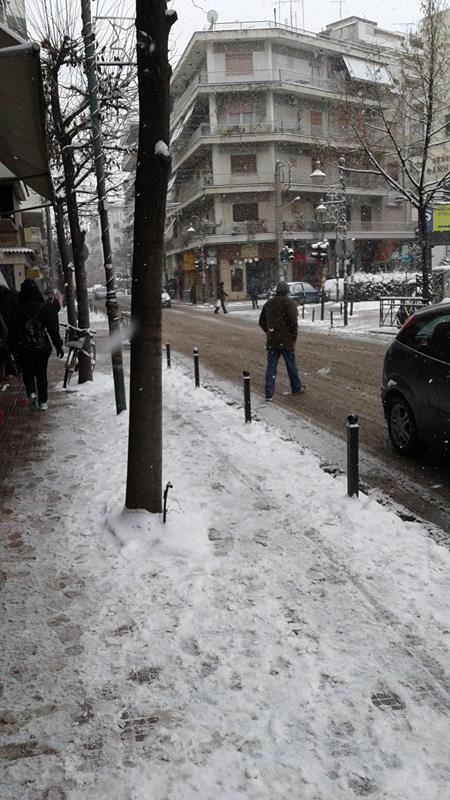15995363 10207626048160182 9153090 n - ΕΚΤΑΚΤΗ ΕΠΙΚΑΙΡΟΤΗΤΑ- Tο έστρωσε ξανά στη  Λάρισα – Η χιονόπτωση συνεχίζεται