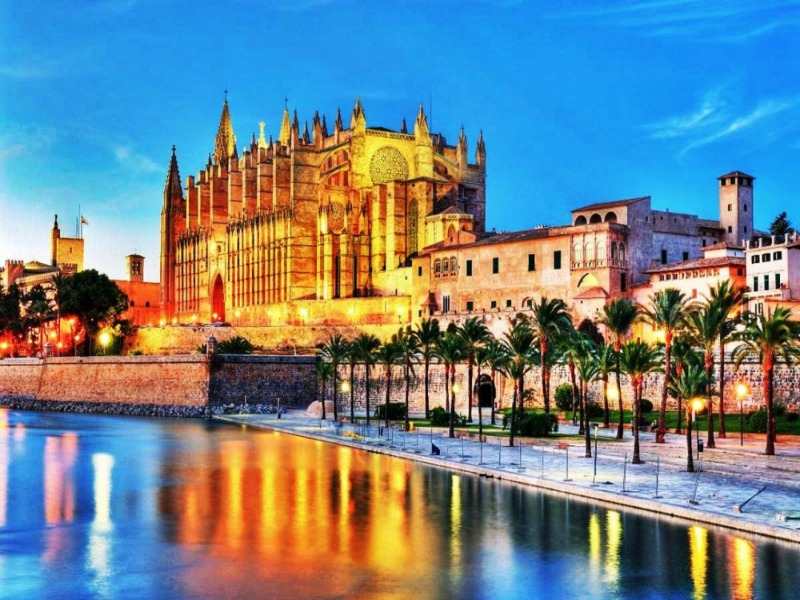 3palma de mallorca cathedral - Η Μαγιόρκα είναι ομορφότερη από όσο νομίζεις (Photos)