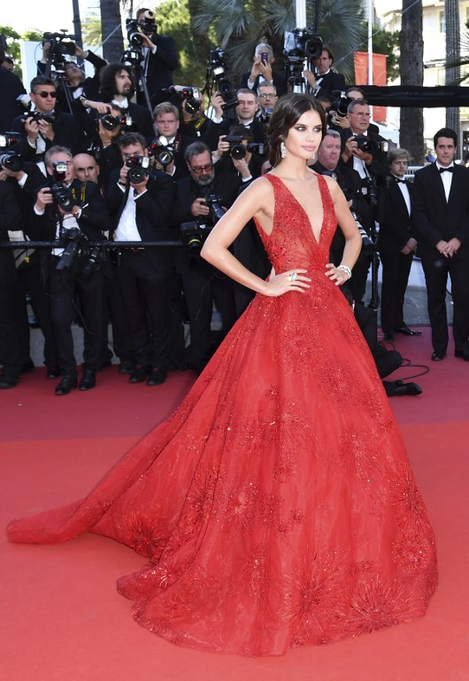 000 oi5nk - Cannes 2017: Δες τι φόρεσαν οι celebrities