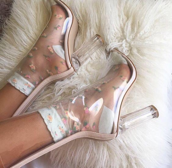 05b184e13b6694a1b31fe8f1c288a0ea - Clear Shoes:  το νέο trend που έχουν λατρέψει όλα τα fashion girls