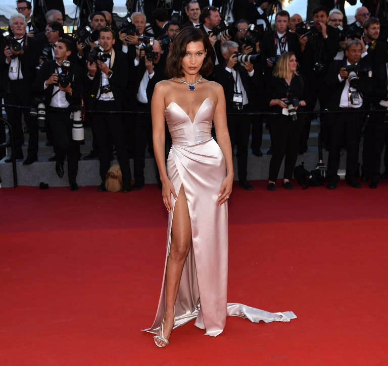 068 aa 18052017 524903 - Cannes 2017: Δες τι φόρεσαν οι celebrities