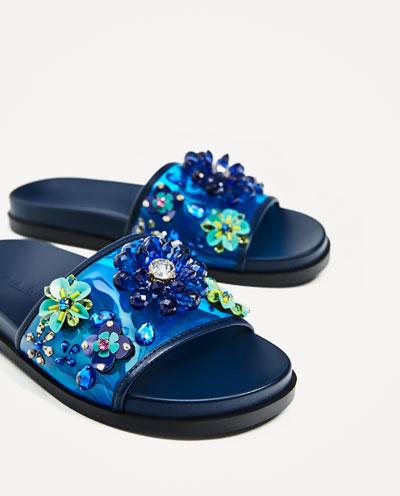 3656201009 2 2 1 - Slippers: Η νέα πιο hot τάση στις παντόφλες…που διχάζει