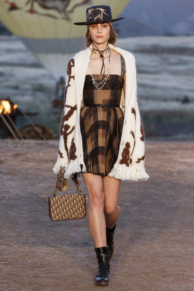 IMG 6962 683x1024 - Christian Dior cruise 2018: Όταν τα cowgirls κάνουν πασαρέλα