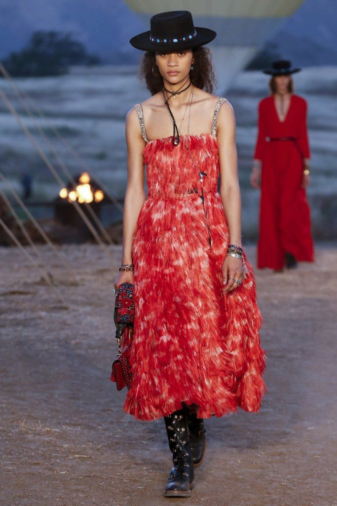 IMG 6990 683x1024 - Christian Dior cruise 2018: Όταν τα cowgirls κάνουν πασαρέλα