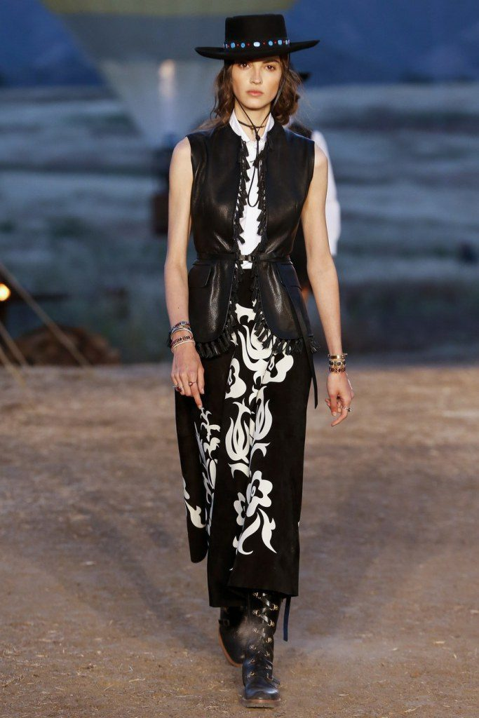 IMG 7022 683x1024 - Christian Dior cruise 2018: Όταν τα cowgirls κάνουν πασαρέλα