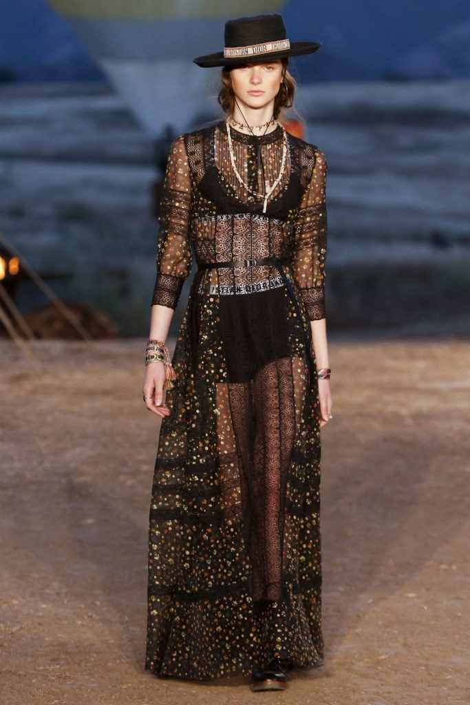 IMG 7034 683x1024 - Christian Dior cruise 2018: Όταν τα cowgirls κάνουν πασαρέλα