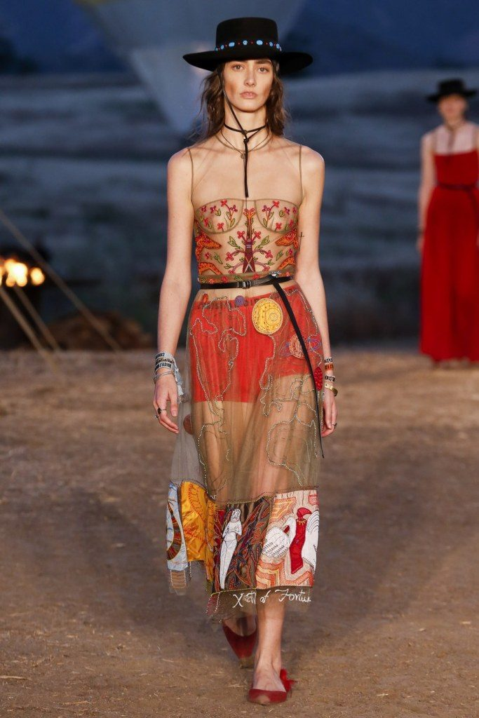 IMG 7039 683x1024 - Christian Dior cruise 2018: Όταν τα cowgirls κάνουν πασαρέλα