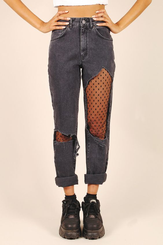aad04a70dbd1c6c18561ceecc7042fee - Οι 4 πιο must επιλογές σε jeans,που θα λατρέψεις αυτή τη σεζόν