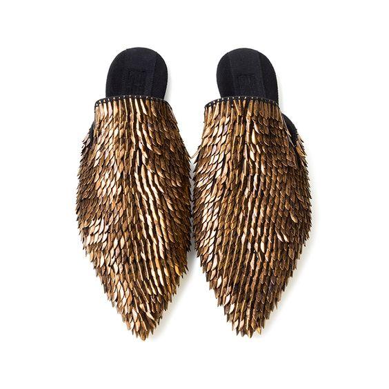 f395f62cb492252a9c9d253ccb8270ca - Slippers: Η νέα πιο hot τάση στις παντόφλες…που διχάζει