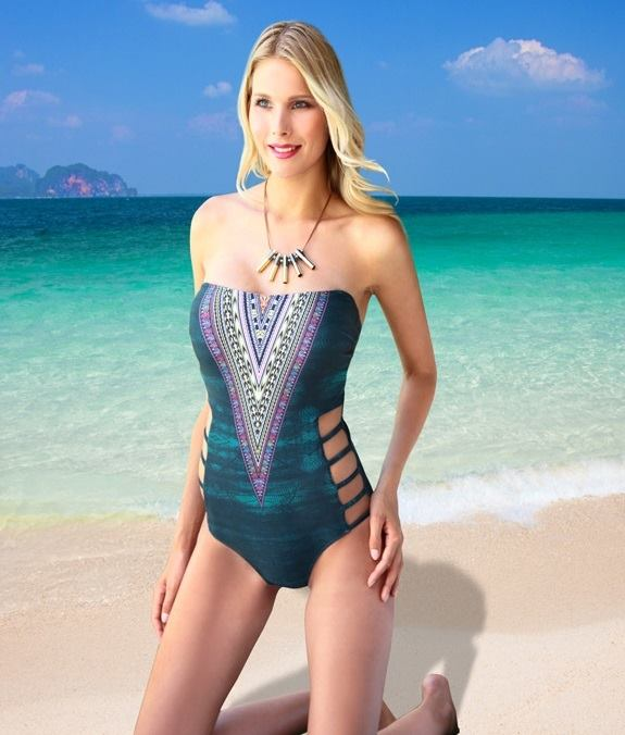 19389719 1328121570629040 243257075 n - NADINE: Το μαγαζί που θα λατρέψεις για τις πιο sexy εμφανίσεις στη παραλία