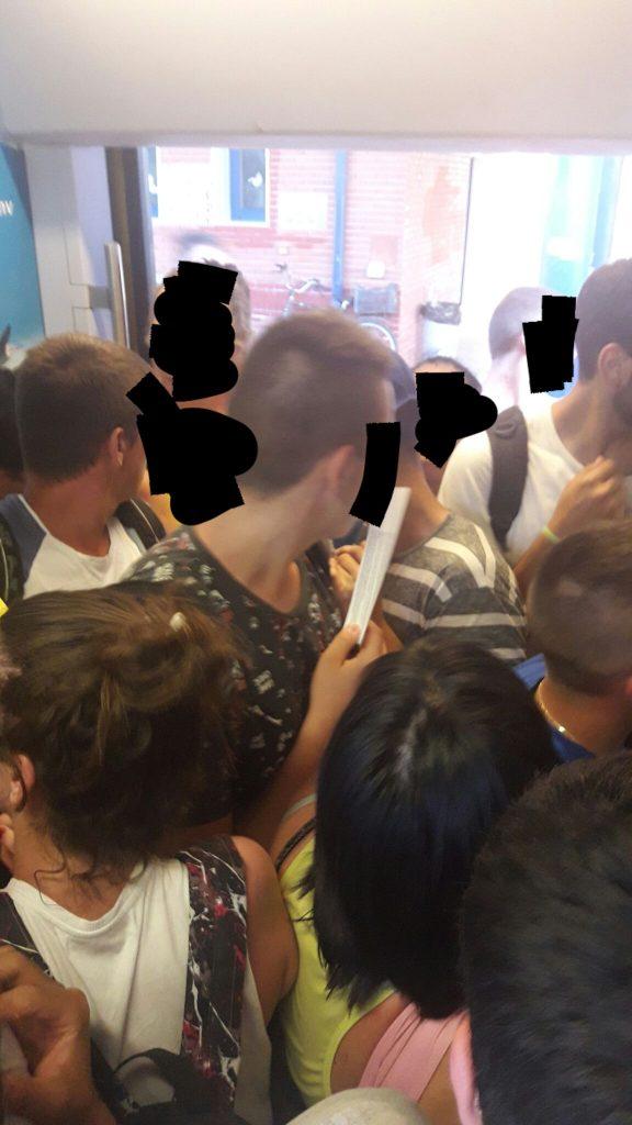 20170625 222553 576x1024 - Καταγγελια Λαρισαιας για την κατασταση που επικρατει στο Κυριακατικο Τρενο