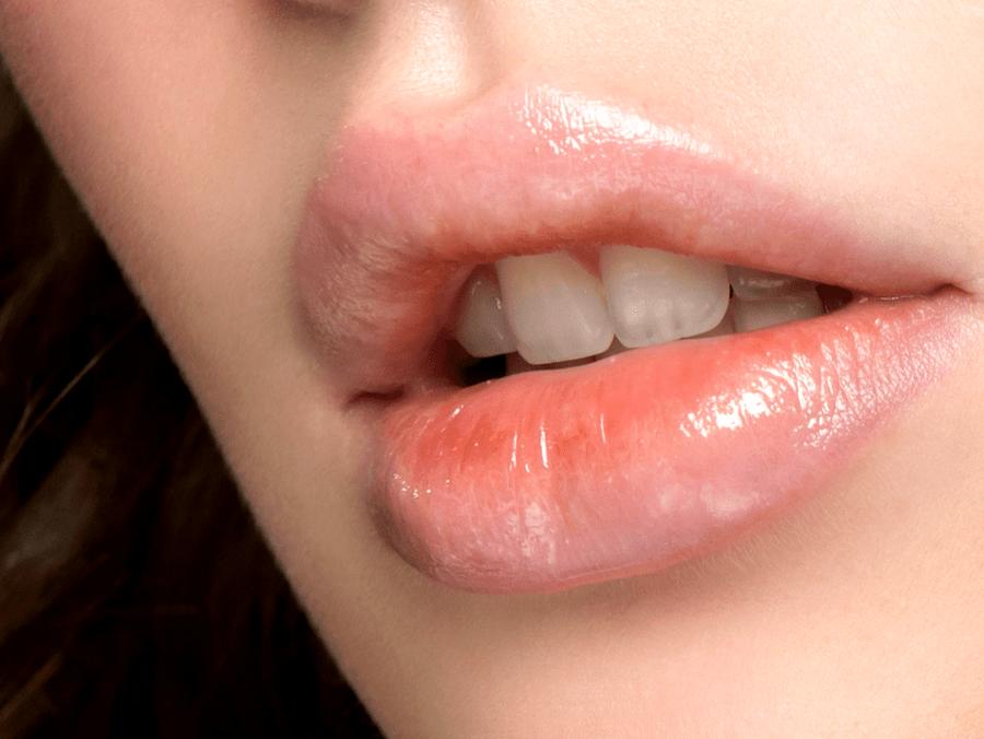 Untitled design 2 2 - Beauty Hack: Το μυστικό των celebrities για μεγαλύτερα χείλη