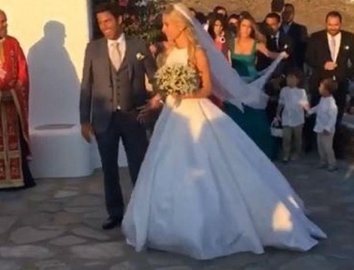 YIuUHN8XEBrTi9Vu1UqT - Γνωστός Έλληνας χώρισε και πήγε μόνος του στον γάμο της Δούκισσας Νομικού! Δεν τον πήρε κανείς χαμπάρι…