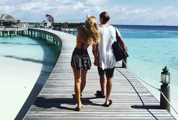 couple island 620x420 - Αυτό είναι το ιδανικό μέρος να πας διακοπές φέτος το καλοκαίρι, με βάση το ζώδιό σου!