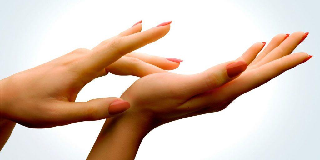 landscape 1457641863 long nails index 1024x512 - Ένα πανεύκολο και minimal nail art για όσες... δεν αγαπούν το nail art!
