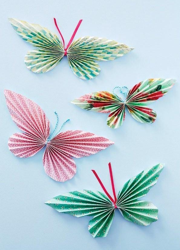 origami butterfly - «Εγκατάσταση με πεταλούδες» στο ποτάμι