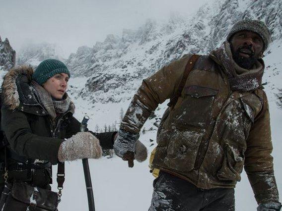 pegasus LARGE t 1581 107646029 type12905 1 - «The Mountain Between Us»: Κέιτ Γουίνσλετ και Ίντρις Έλμπα είναι οι επιζήσαντες